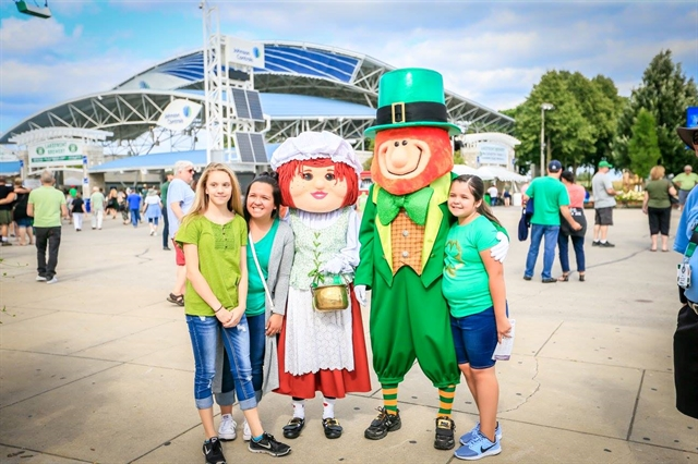 Milwaukee Irish Fest Mascots Paddy and Molly