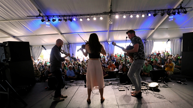 Kiana and Friends Show at Milwaukee Irish Fest