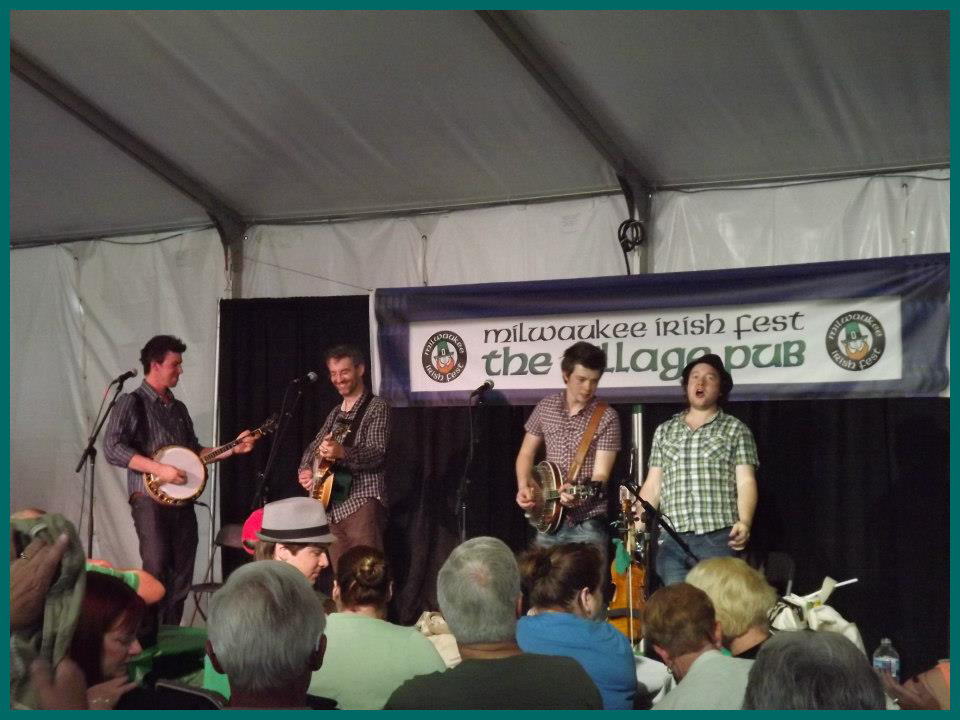 Milwaukee Irish Fest We Banjo 3 2012